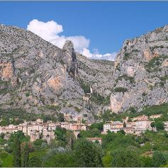 village_moustiers_sainte_marie_2